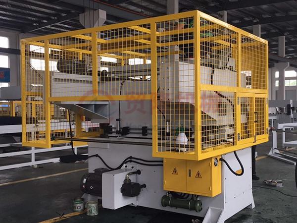 全自动裁断机日常保养影响机器在使用中的状态